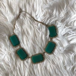Jewelry - Green square chunky necklace